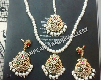 multi color set with tika,hyderabadi jewellery,south indian jewellery