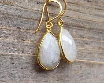 Moonstone gold earrings / Medium moonstone gold earrings / Tear drop moonstones / Pear moonstones