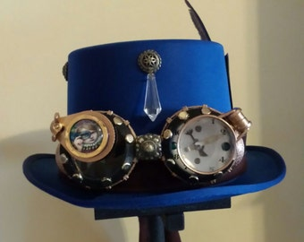 Steampunk hat with glasses.