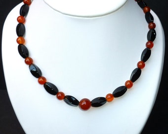 Necklace of twisted black Onyx and Carnelian