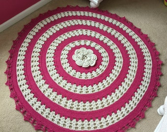 Pink and Ecru accent rug