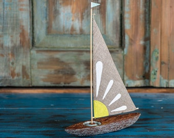 Camomile flower wooden sailboat / Handmade Sailboat / Bark boat / Interior decoration / Wooden ship / Handmade toy / Gift for him