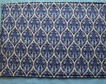 6 placemats/2 potholders, reversible placemats,blue placemats, linens,cloth placemats,  gift, birthday gift