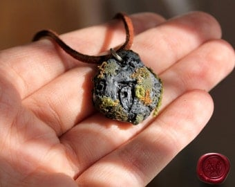 The Elder Scrolls- Skyrim // CUSTOM Oblivion Daedric rune Stone Necklace- Handcrafted sculpture