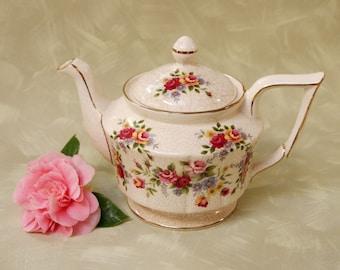 old Arthur Wood teapot Vermont pattern