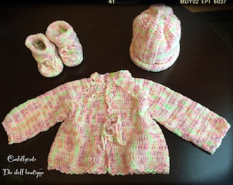 Crochet baby clothing 0-3 months