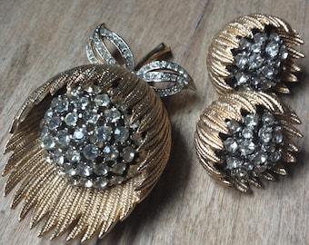 Vintage 40s-50s Rhinestone Flower Brooch Clip Earrings Set