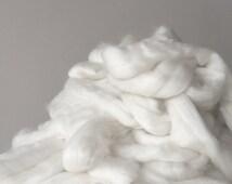 Giant Knitting Merino Wool Roving  // Natural White // .5 kilogram// 22 Micron // Australian Merino // Arm Knitting // Hand Crochet //