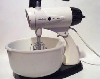 Vintage Sunbeam Mixmaster 12 Speed Stand Mixer with Original Glasbake Bowl