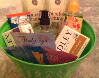 Pure and Natural Pampering basket