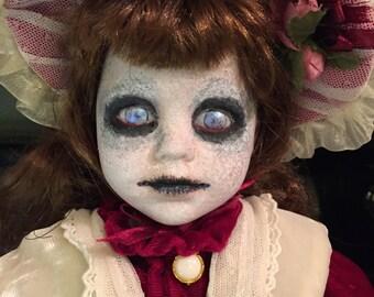 Creepy Doll - Vanessa