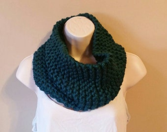 Handmade Knit Cowl/ Chunky Knit Cowl/ Chunky Cowl Scarf/ Handmade Circle Scarf/ Acrylic Knit Cowl/ Handmade Chunky Cowl/ Ready to Ship Cowl