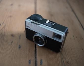 Kodak instamatic 33 with case