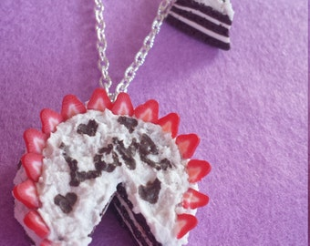 Love cake necklace