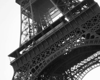 Lot of two photographs... Diptych... Paris... The Eiffel Tower...