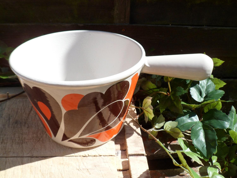 pott ist der schmelztiegel fondue topf craquelon pfanne. Black Bedroom Furniture Sets. Home Design Ideas