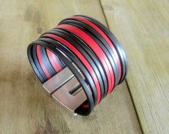 Man black leather Cuff Bracelet. Clasp plate loving silver 40MM