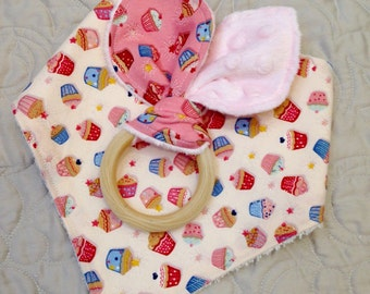 Bib-girl Bandana Bib-Baby Gift-Bib-Organic Bamboo Terry Bib-Gift Pack Bundle-cupcake Teether-Natural Wooden Teether-Burp Cloth-pink