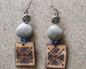 Wood and seed earrings ...