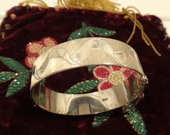 Vintage 1967 Sterling Silver Bracelon Birmingham Hinged Bracelet