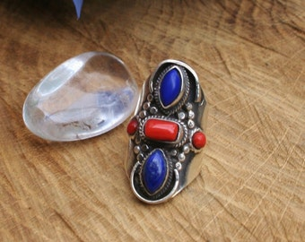 Large Etnic Sterling Silver Ring With Lapis Lazuli And Red coral