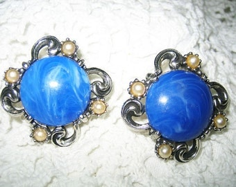 Vintage Simulated Lapis & Pearl Earrings Clip On