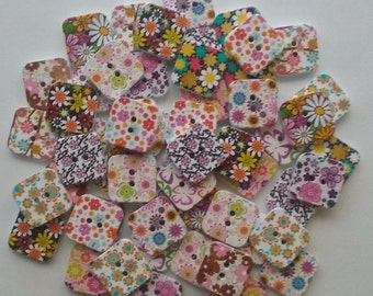 Wooden square flower buttons
