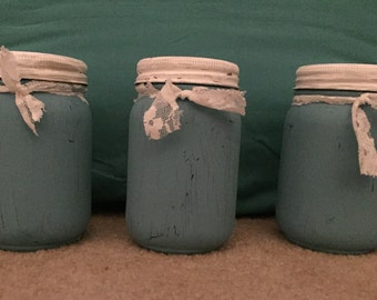 Chalk Painted Mason Jars in Blue