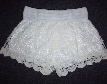 Crotchet shorts    Cotton crotchet shorts with satin lining