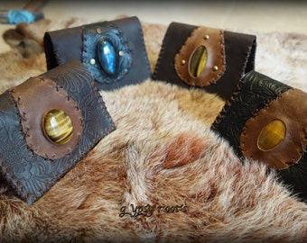 Handmade Leather Wallet with a beautifull tiger eye or the stone of your choice :)