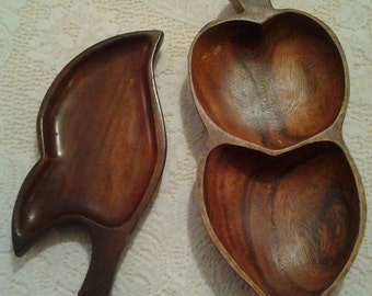 Vintage wooden pod bowls Set of two