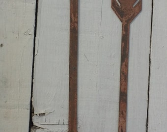 Medium tribal arrow