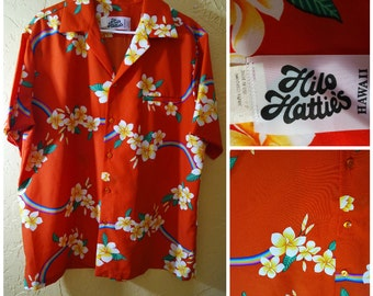 Unique Hilo Hatties 70s hawaiian shirt with Rainbows