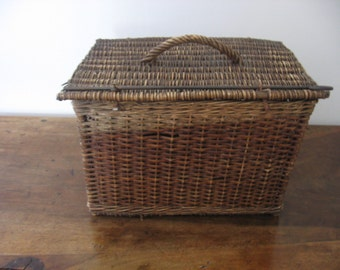 Antique French Wicker Travel Basket From the 1900's