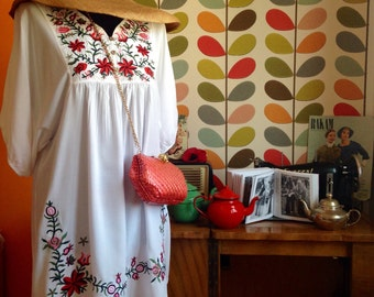 Embroidered Mexican Dress, vintage Oaxacan dress large White cotton shirt dress '70s handmade floral tunic / 1970 Hippie Boho Ethnic