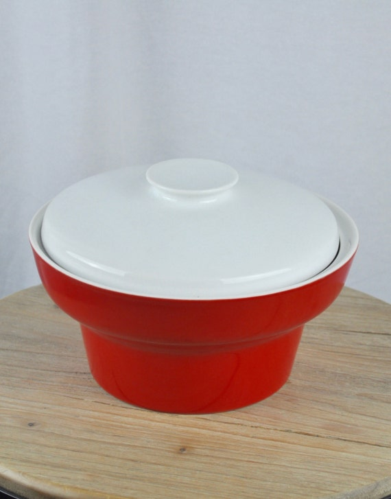 Midcentury Paul McCobb Contempri Red and White Covered Vegetable Bowl and Lid