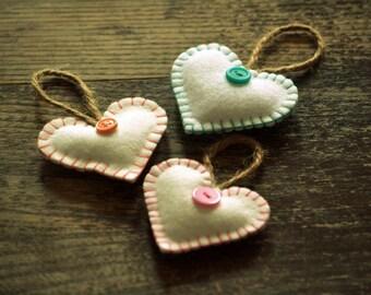 3 Small hearts