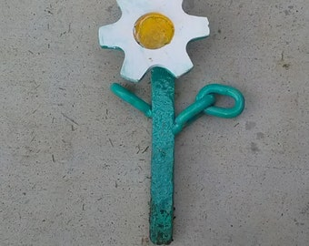 Railroad chain flower