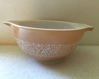 Vintage Pyrex 441 Tan Woodland Brown and White Flower Cinderella Bowl 750 ML