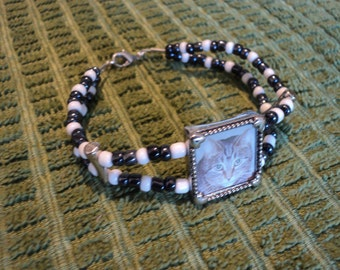 """Glass Beaded double strand bracelet 7"""" Holds picture of your choice!"""