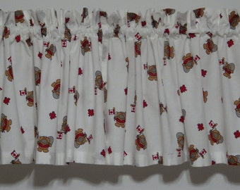 Valance with canadian beaver pattern on white background
