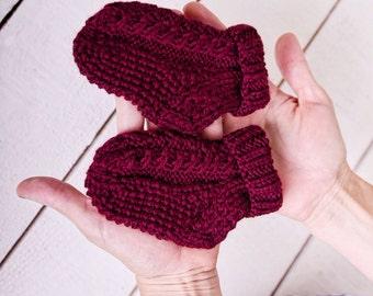 Newborn knit socks Red knitted socks for babies Wool baby socks  Cable red baby socks  Baby wool booties Winter wool warm newborn socks