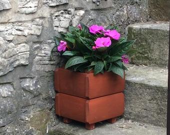 Miniature Legged Pot Holder (Free Delivery) plant holder, garden planter, outdoor planter