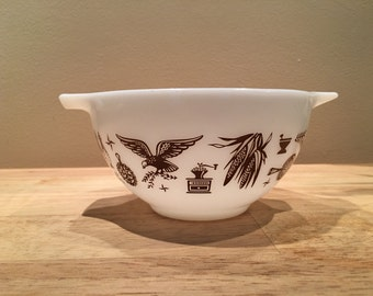 Pyrex Early American 441 1.5pt Cinderella mixing bowl