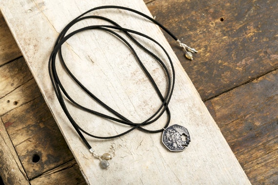 Long necklace - Chocker coin ELIZABETH 2 dated 1969