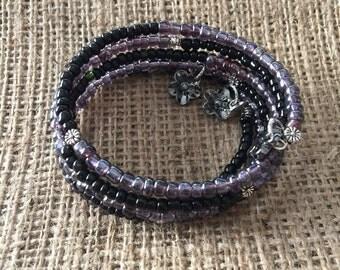 Oval memory wire bracelet