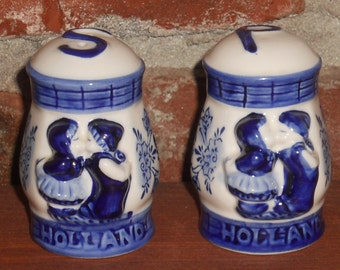 Vintage Salt and Pepper Shakers - Holland Shakers - Dutch Shakers - Hand Painted - Blue and White Shakers - Beautiful Holland Shakers