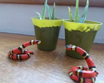Mini Milk Snake! Colourful ornament or quirky ring holder!