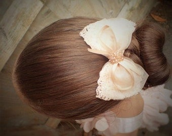 Beige hair bow-hair bow-hair bow for girls-girl hair accessories-girls hair bow-girl bow-teen hair bow-kids hair bow-flower girl hair bows