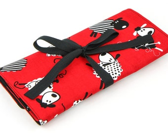 Short Knitting Needle Organizer Case - Red Sheep - 24 black pockets for circular, double pointed, interchangeable or travel